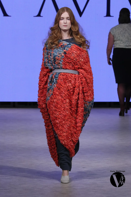 Mid-Length Wool Blanket Poncho, in Coral/Marine - Autumn/Winter 19/20 Collection - LISA AVIVA